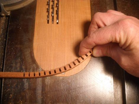 ukulele lining 025